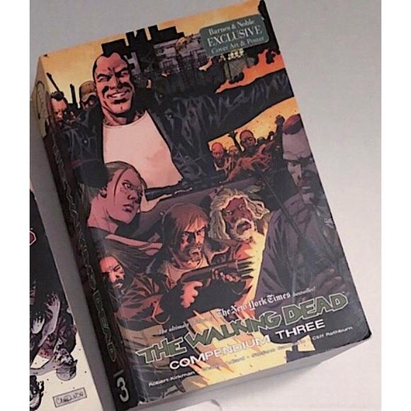 Walking Dead Other - Walking Dead Compendium Book 3